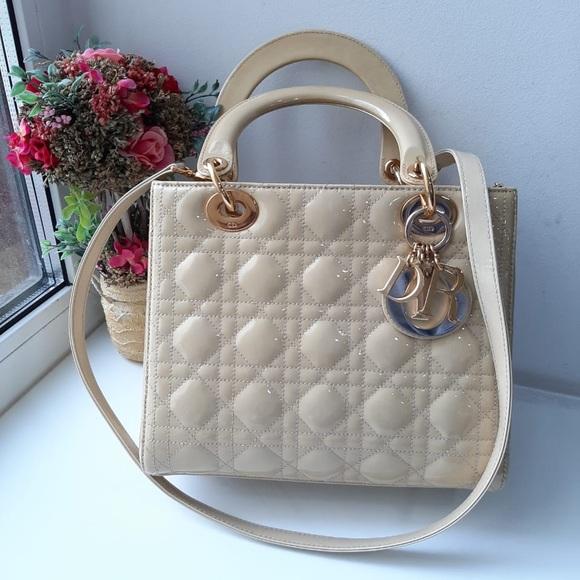 Dior Handbags - Dior lady Dior medium patent beige gold